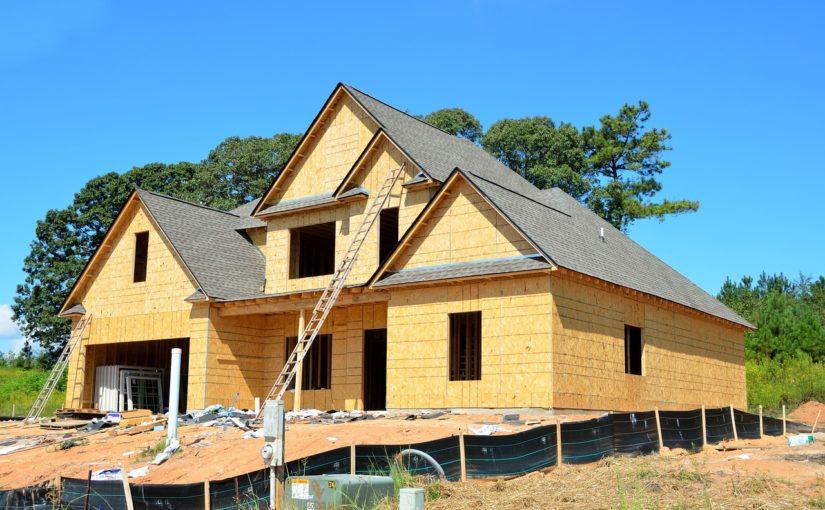 Ściśle z obowiązującymi regulaminami nowo budowane domy muszą być gospodarcze.